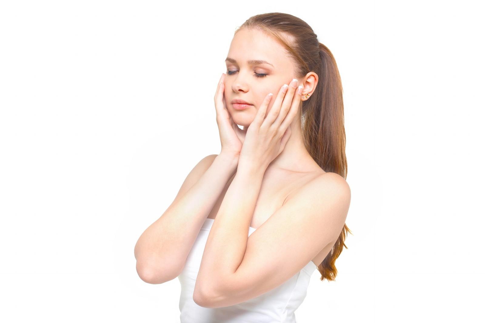顔のマッサージって痛いくらいで良いの?【危険】むしろ顔が大きくなることも!