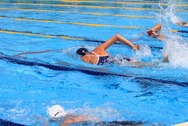 高校生でもプールの授業はある?1度も泳がず全てサボる裏ワザも公開
