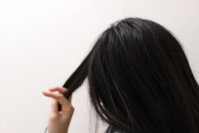 プールで髪の毛は痛む?これはウソだと発覚!塩素濃度は僅か1.0mg以下!