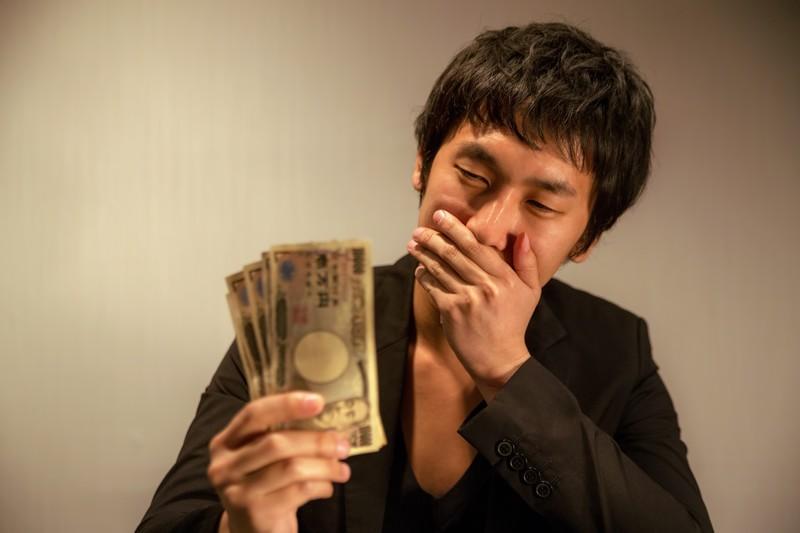 実家暮らしなら生活費10万円を家に入れるべき!それ以下はクズ!